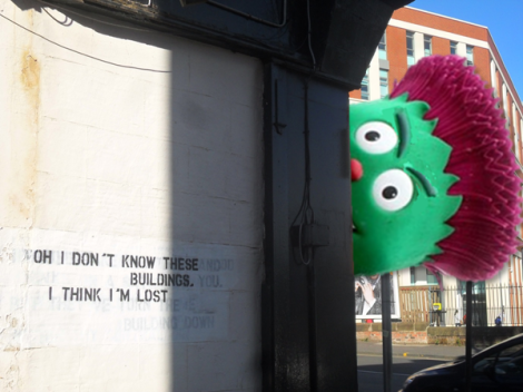 """""""OH I DON'T KNOW THESE BUILDINGS, I THINK I'M LOST"""" stencilled graffiti in Glasgow"""